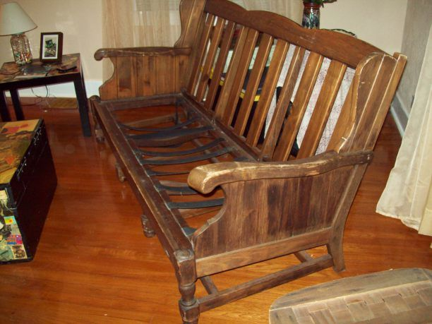 How to Paint Old Wooden Sofa?