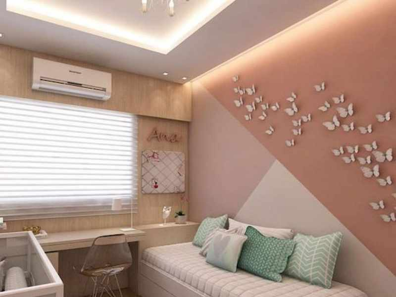 How to Decorate a Triangle Shaped Wall?