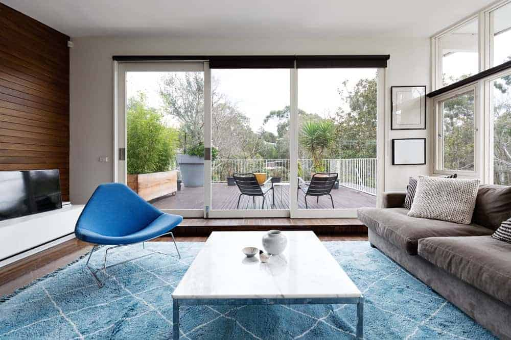 How to Place Accent Chairs in Living Room?