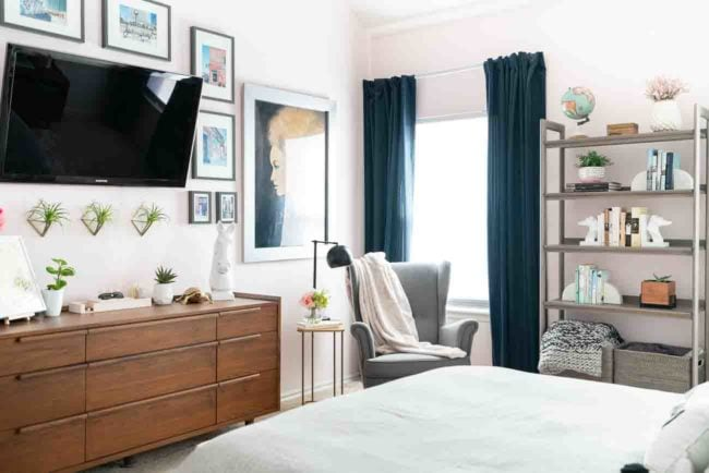 How to Place Two Dressers in a Bedroom?