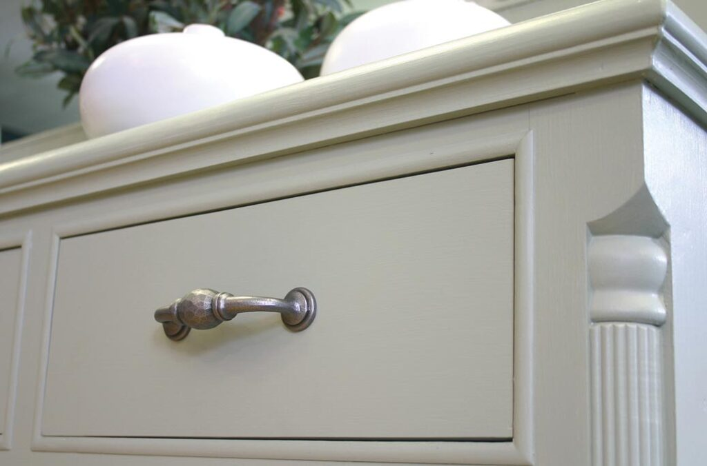 What Are Different Types of Drawer Pulls?